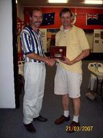 photos/2006/PresentationDay/thumb/john nielsen life member.JPG